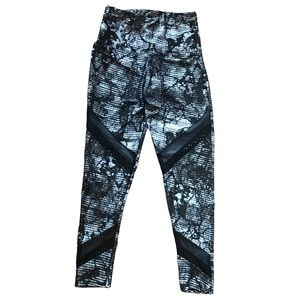 ONZIE ABSTRACT MARBLE HIGH WAIST LEGGINGS